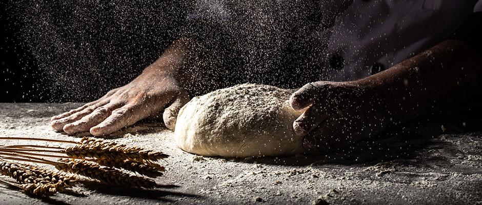 Etapele preparârii pâinii cu maia